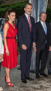 Felipe VI y la Reina Letizia presidieron la entrega de los Premios de...