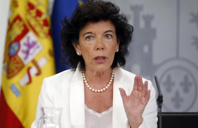 Isabel Celaá, portavoz del Gobierno, tras el Consejo de Ministros.
