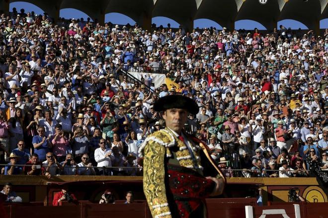 El diestro José Tomás, ante un entregado público internacional.