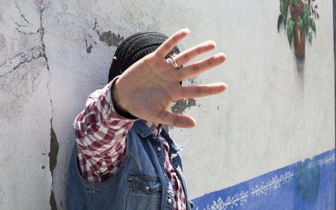 La joven refugiada Kala M. H. en un barrio madrileño