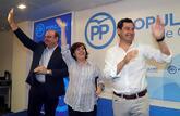 El presidente del PP de Granada, Sebastián Pérez; la candidata a...