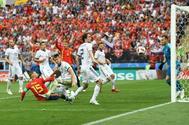 Sergio Ramos, en la jugada del penalti que reclamó España.