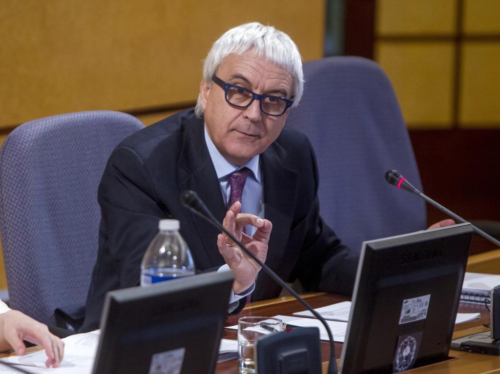El futuro subdelegado en Bizkaia Vicente Reyes durante una de sus intervenciones como diputado en el Parlamento Vasco.