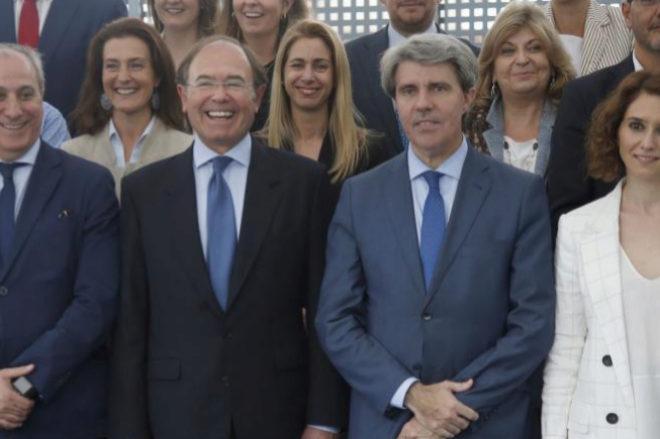 Pio García Escudero, presidente del PP de Madrid, y Ángel Garrido,...