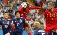 Fellaini cabecea a gol en la acción del 2-2 ante Japón en Rostov.