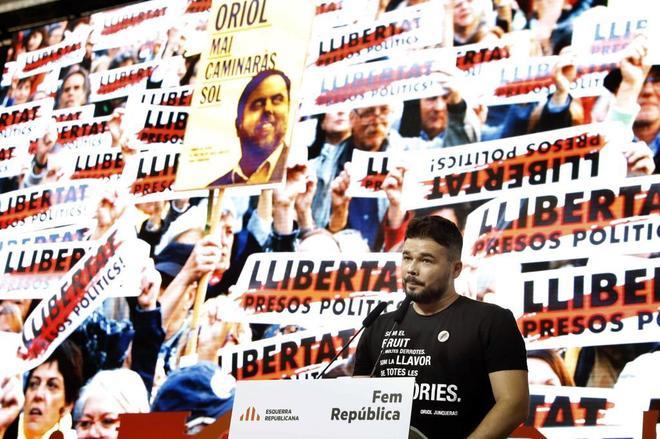 Los líderes independentistas presos, de camino a Cataluña en un convoy de la Guardia Civil