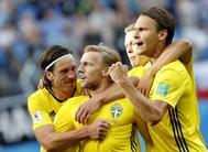Forsberg celebra su gol junto al resto de sus compañeros.