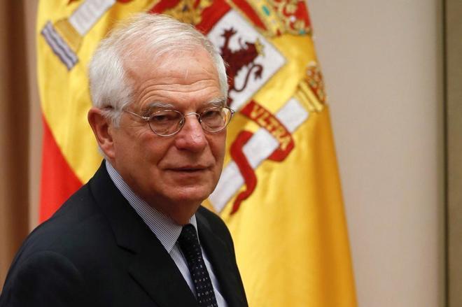 Josep Borrell, antes de comparecer en la Comisión de Exteriores del...