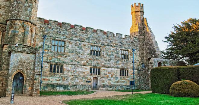 Battle Abbley se encuentra al este de Sussex.