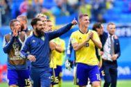 Jimmy Durmaz junto a sus compañeros de la selección de Suecia.