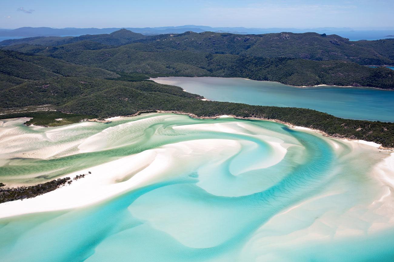 Estas 74 islas, en su mayoría despobladas, están arropadas por la...