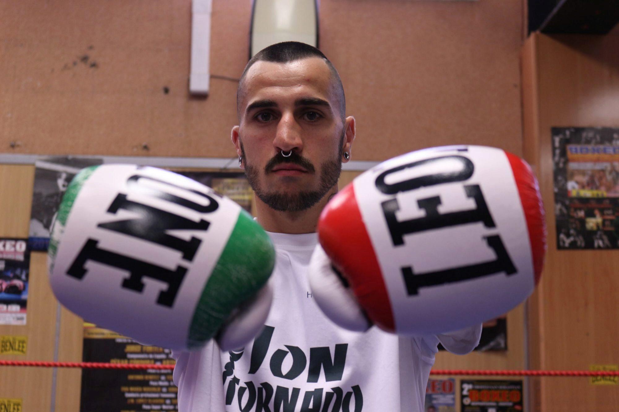 """Jon """"Tornado"""" Martínez prepara su pelea del 6 de julio en el Trui Teatre."""