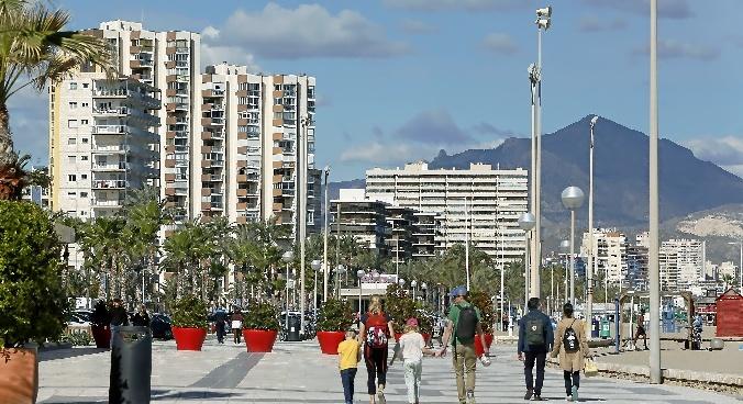 Los hoteleros de Alicante exigen más control sobre las casas turísticas ilegales