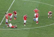 Los jugadores rusos, en el círculo central tras perder ante Croacia en los penaltis.