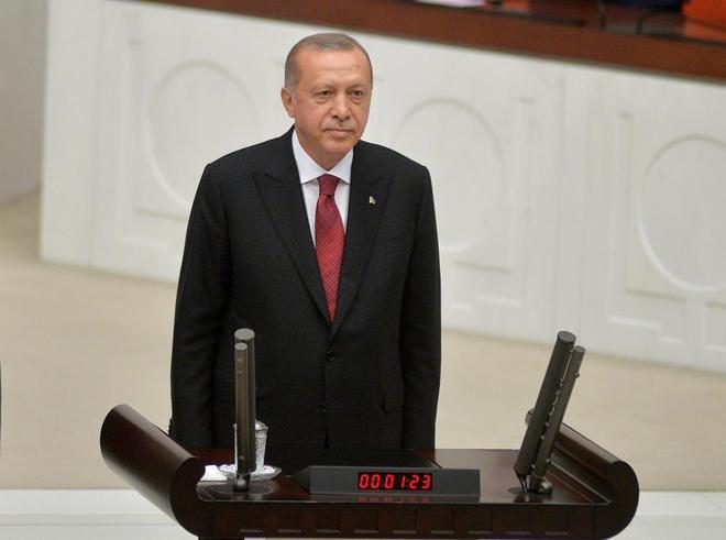 Recep Tayyip Erdogan, asume el cargo de jefe de Estado en una ceremonia en Ankara.
