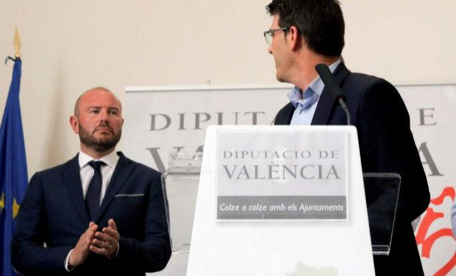 El futuro presidente de la Diputación de Valencia, Toni Gaspar, en el acto de dimisión de Jorge Rodríguez al frente de la corporación provincial.