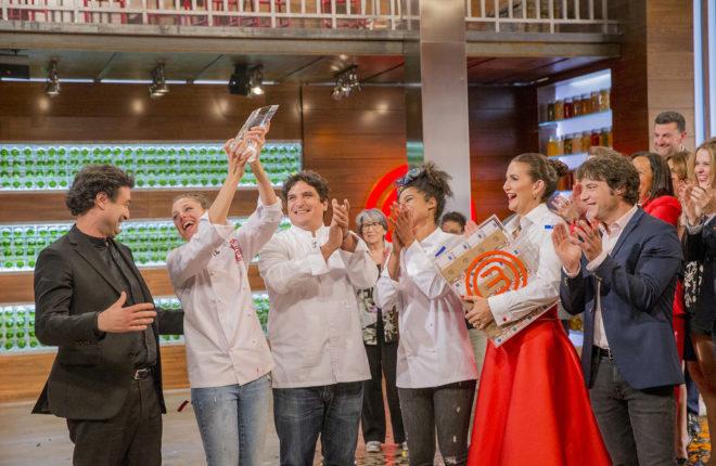 Marta Verona celebra su triunfo en 'MasterChef 6', junto al jurado y a...