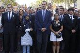 El Rey Felipe VI junto a Mariano Rajoy y Carles Puigdemont en la...