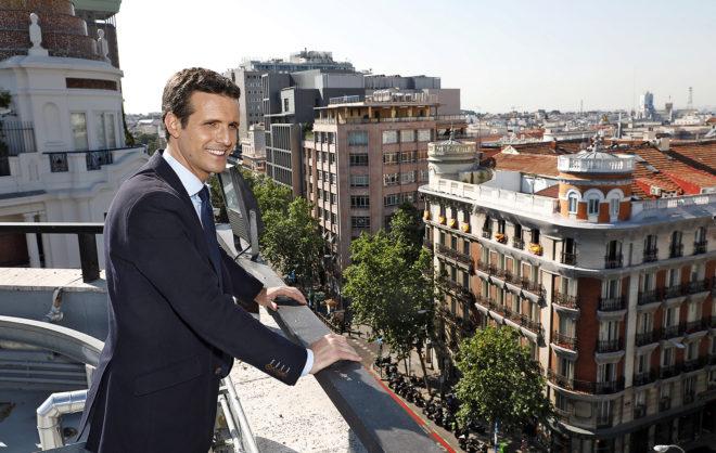 El candidato a presidir el PP, Pablo Casado, durante su entrevista con EL MUNDO