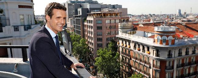 El candidato a presidir el PP, Pablo Casado, durante su entrevista con...