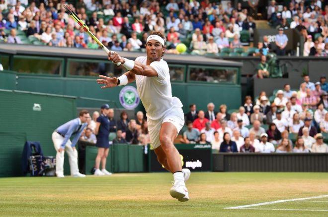 Rafael Nadal durante su anterior partido en Wimbledon