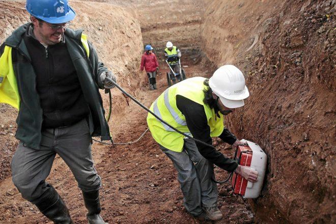 Imagen de archivo de trabajos en la excavación de la fosa común de Alfacar (Granada).