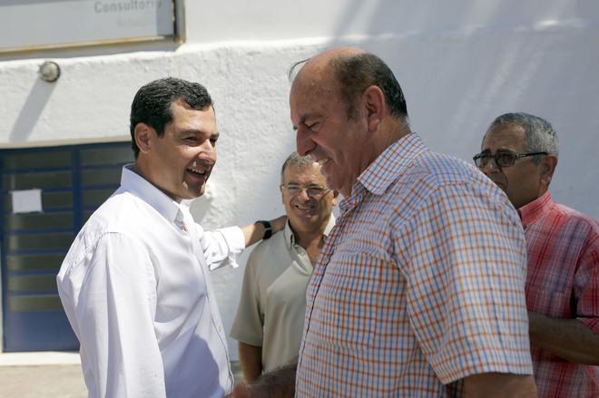 El presidente del PP andaluz, Juanma Moreno, en su visita a Almería.
