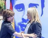 Soraya Sáenz de Santamaría, izquierda, con María del Mar Blanco,...