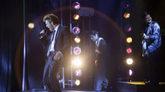 El actor mexicano Diego Boneta interpreta sobre el escenario a Luis...