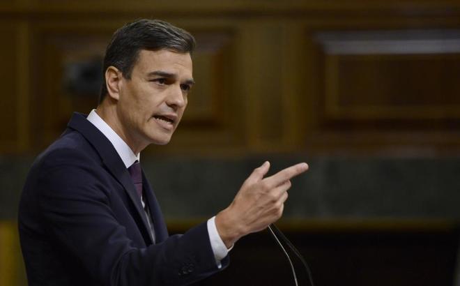 El presidente del Gobierno, Pedro Sánchez, durante su comparecencia...