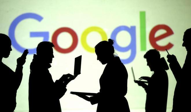 La UE impone a Google una multa récord de 2.420