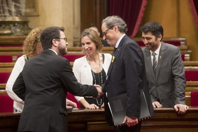 La suspensión de Puigdemont enfrenta a JxCat y ERC y bloquea el Parlament