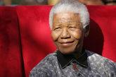 Fotografía de archivo que muestra a Nelson Mandela