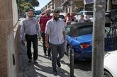 El periodista Nacho Carretero (d), a su llegada al juicio oral junto a...
