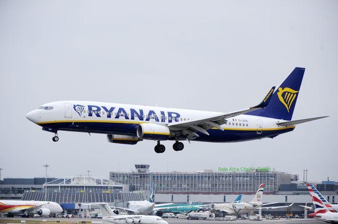 Ryanair cancela 400 vuelos en España por la huelga de tripulantes