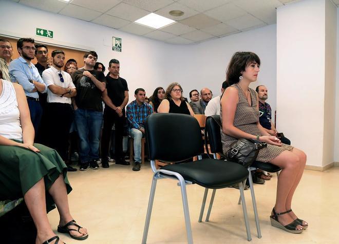 Juana Rivias en el juzgado de Granada donde se celebra su vista