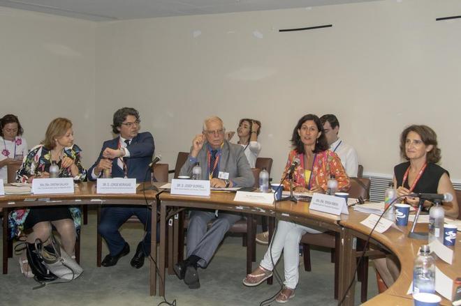 El embajador ante la ONU, Jorge Moragas; el ministro de Asuntos Exteriores, Josep Borrell, y la ministra para la Transición Ecológica, Teresa Ribera, este miércoles en la ONU.