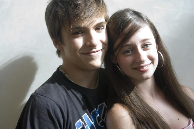 Carlos (Ricardo Gómez) y Karina (Elena Rivera) en una fotografía de 2009.