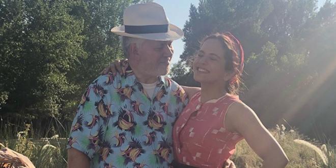 Pedro Almodóvar y Rosalía en la imagen publicada en Instagram por la cantante el día de ayer.