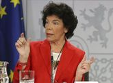 La ministra Portavoz, Isabel Celaá, durante la rueda de prensa...