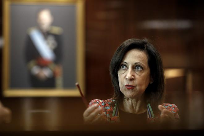La readmisión de dos mujeres tatuadas en unas pruebas para ser militar obliga a los opositores a repetir el proceso