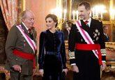 Felipe VI y Letizia, junto a Juan Carlos I, durante la Pascua Militar,...