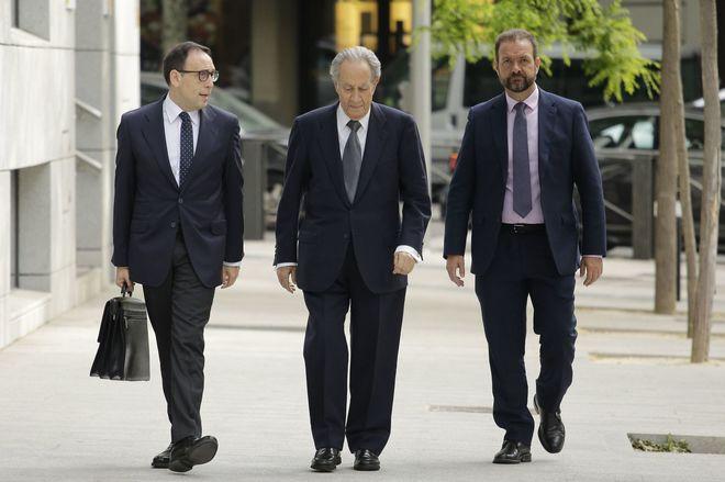 Miguel Villar Mir, a su entrada a la Audiencia Nacional, el pasado mes de mayo.