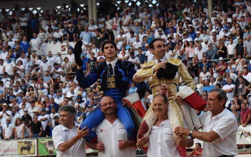 Ponce y Castella triunfaron en un mano a mano que agotó las entradas