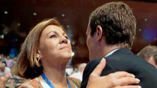 María Dolores de Cospedal felicita a Pablo Casado tras su victoria