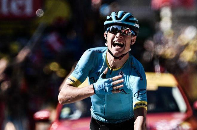 Cort Nielsen celebra su primera victoria en el Tour de Francia.