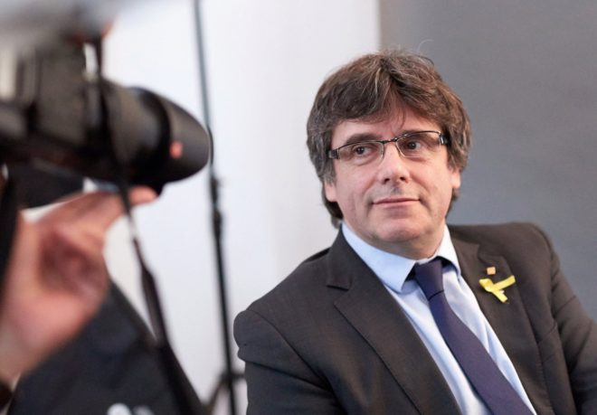 El ex presidente de la Generalitat Carles Puigdemont, el pasado mes de...