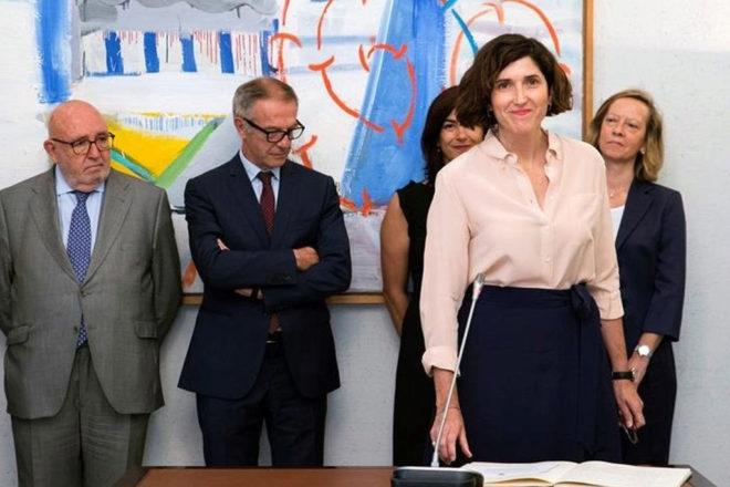 Adriana Moscoso, durante su toma de posesión como directora general ante el ministro de Cultura, José Guirao.