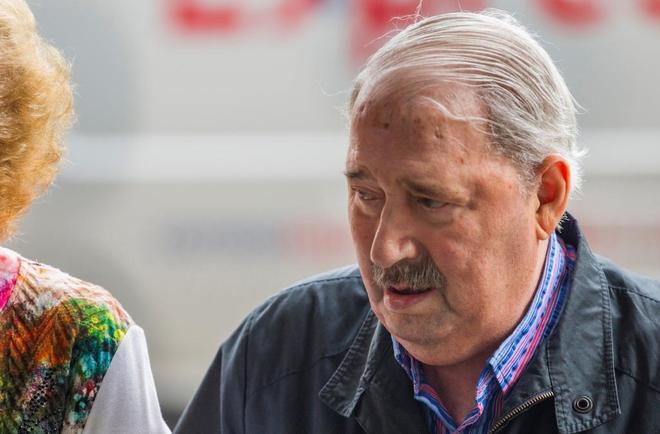 José Ángel Fernández Villa, a su llegada a la Audiencia Provincial de Oviedo este miércoles.