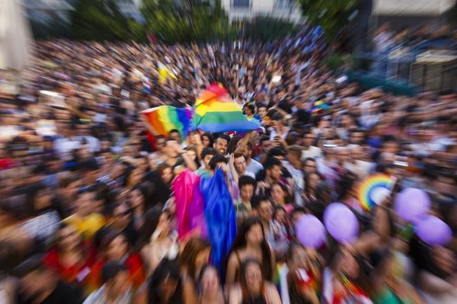 Agreden a un transexual en una discoteca de Malasaña por no identificarse como hombre ni mujer